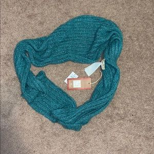 (2/$20) Turquoise NWT Hollister Infinity Scarf